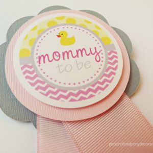 pink-and-gray-mommy-to-be-duck-pin